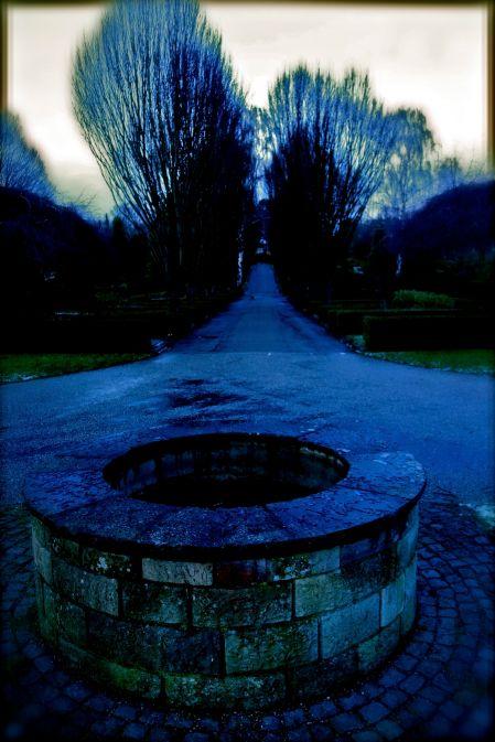 Brønd på Lottenborg Kirkegård