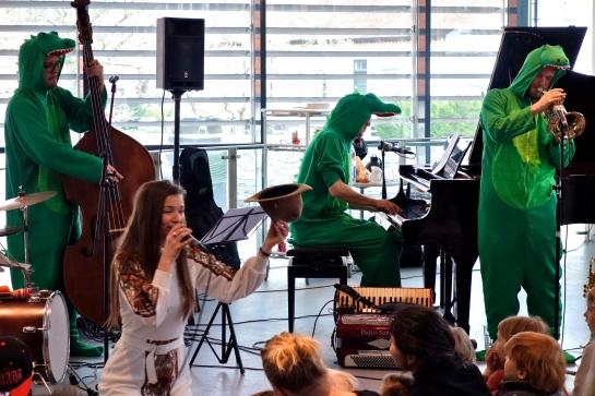 Kira Martini med orkester