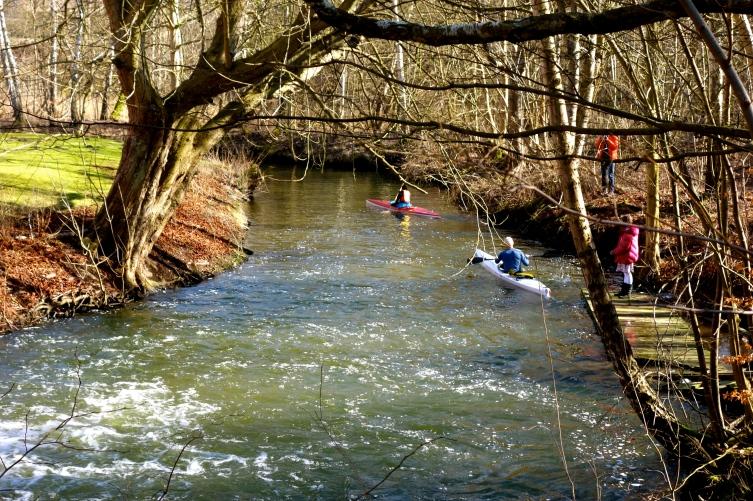 Kajakker ved Nymølle.  Foto Hanna Greenwood. hannaswalk.com