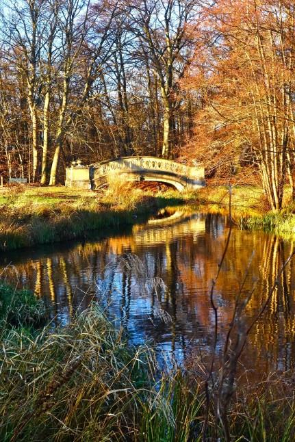 Bro ved Aldershvile Slotsruin